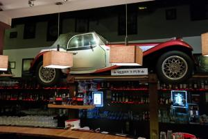 The Motor Bar at QUEENS PUB