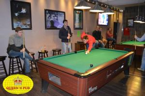 QUEENS PUB Bansko - Billiard