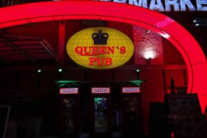 QUEENS PUB Fresh