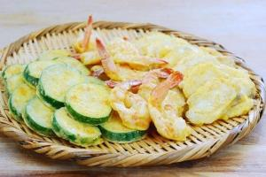 Fried shrimp fish and vegetable set 0.400g