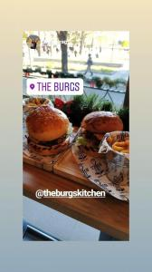 THE BURGS KITCHEN Food